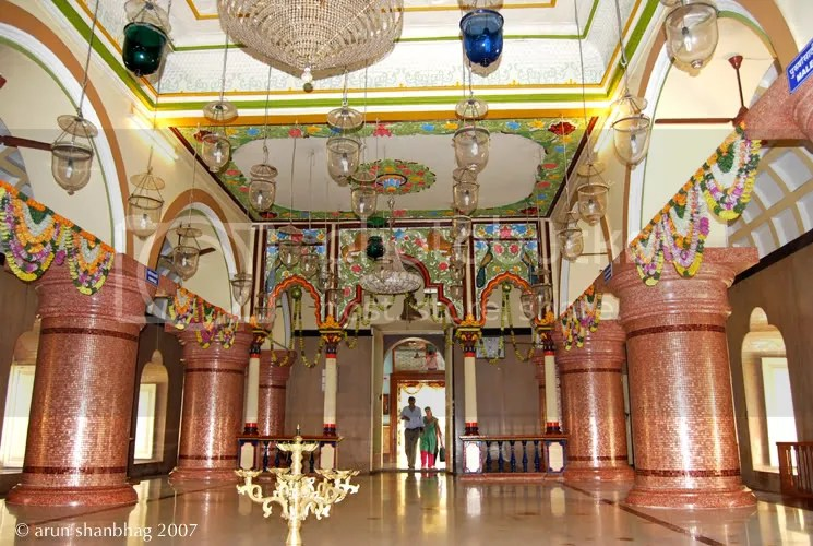 pic of outer hall at the Shanteri Kamakshi Ramnath Devasthan temple by Arun Shanbhag