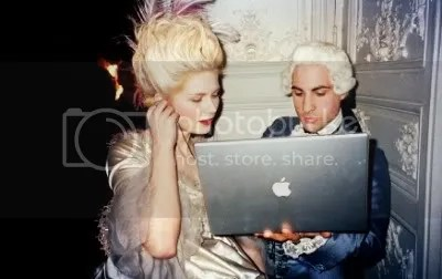 marie antoinette with a macbook pro