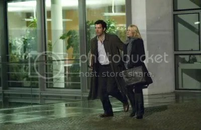 Clive Owen e Naomi Watts em The International