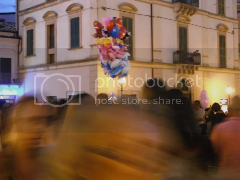 Balloons over the Piazza Diomede