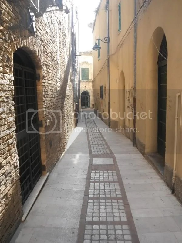 Vasto alleyway