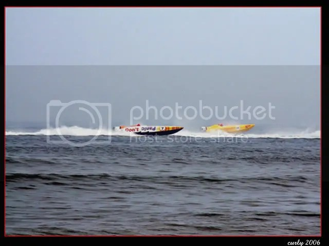 picture of power boat race, Sandhaven Beach, South Shields