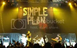 Simple Plan rawking it out.