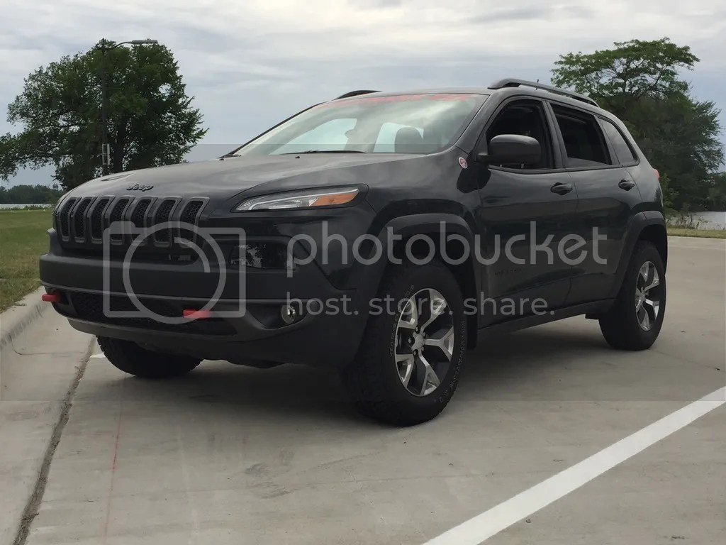 hight resolution of love this jeep i m kinda biased as i work for jeep though it s stock except front window tint don t tell the cops and a huge windshield banner