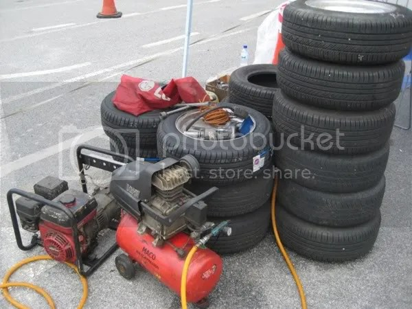 2 Air Compressors for faster and easier tire changing!