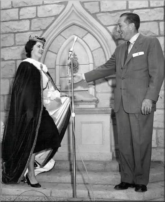 Shirley Temple and Walt Disney dedicate the Sleeping Beauty Castle Walk Through attraction. Courtesy TheDisneyBlog.com