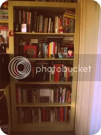 Minha estante em março de 2011