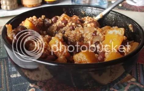 black bean butternut chili w/ quinoa