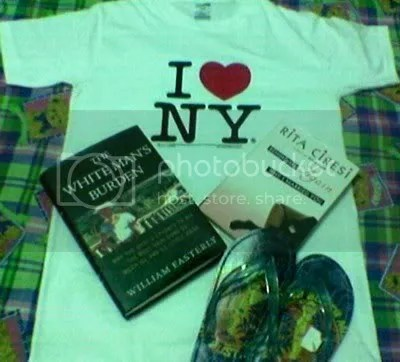 Recent happiness. Shirts and books from Tita Beth...at yung Tigger slippers from my Mom. Sweet noh? Nadaanan daw nya sa Shopwise habang nag-go-grocery, hahaha!!!