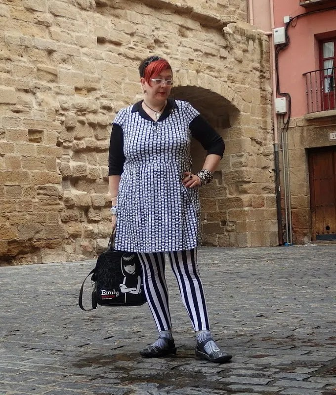 plus size black and white mixed patterns outfit with emily the strange purse
