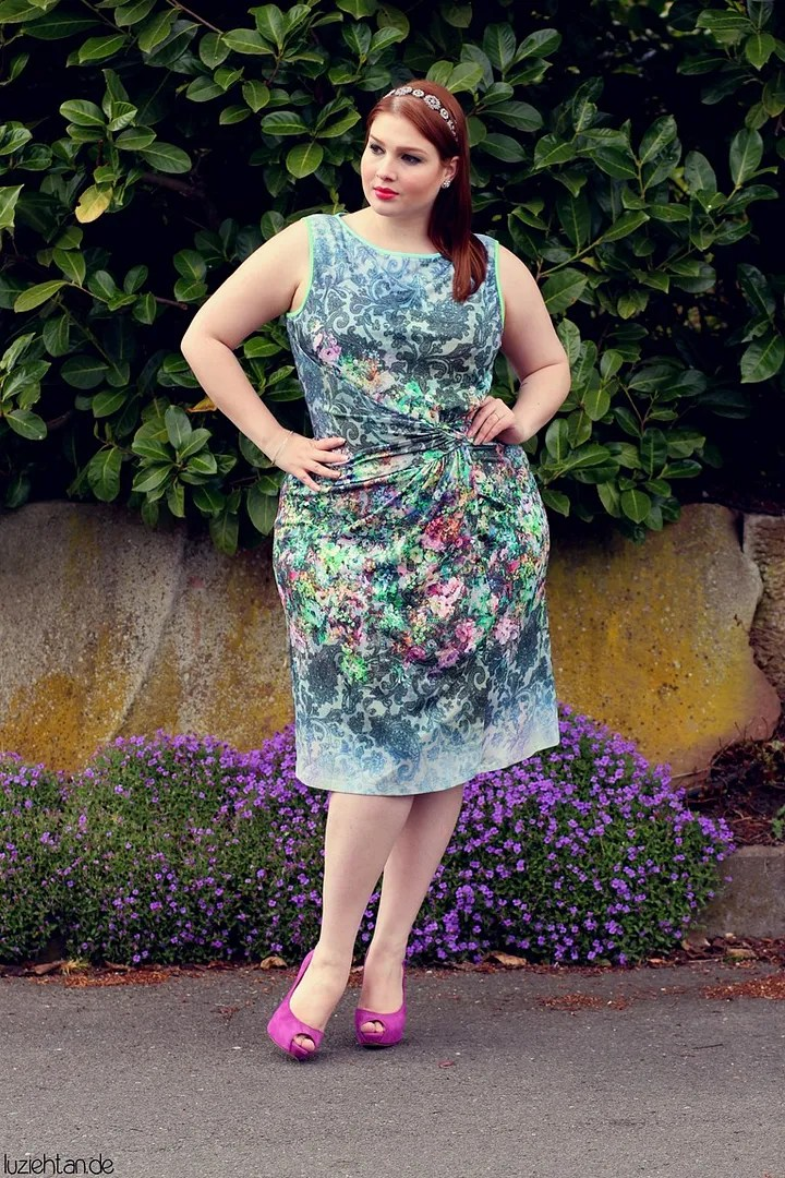 plus size outfit with gray/blue floral baroque victorian dress and hot pink heels