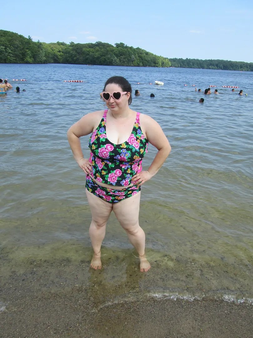 plus size swimsuits for all floral tankini set, standing in lake