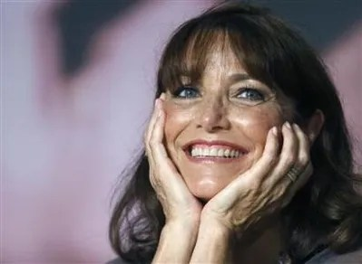 Karen Allen, beautiful as always, who you mostly seem to be looking for naked, which is understandable. I do not have those pictures here, but she is still beautiful. Yes, she is.