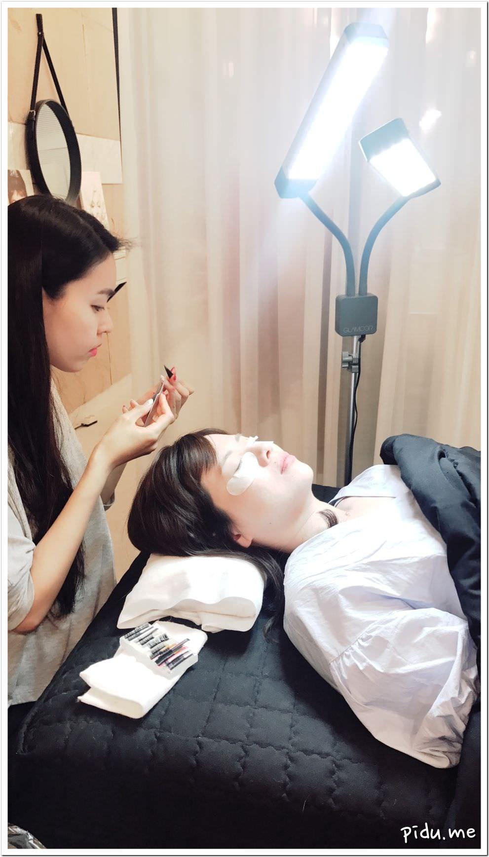 《首爾\弘大》來韓國變美麗吧!絕對不會後悔的女孩行程~Shop vivian 韓式接睫毛샵비비안 | 大肚人生~Keep Eating~