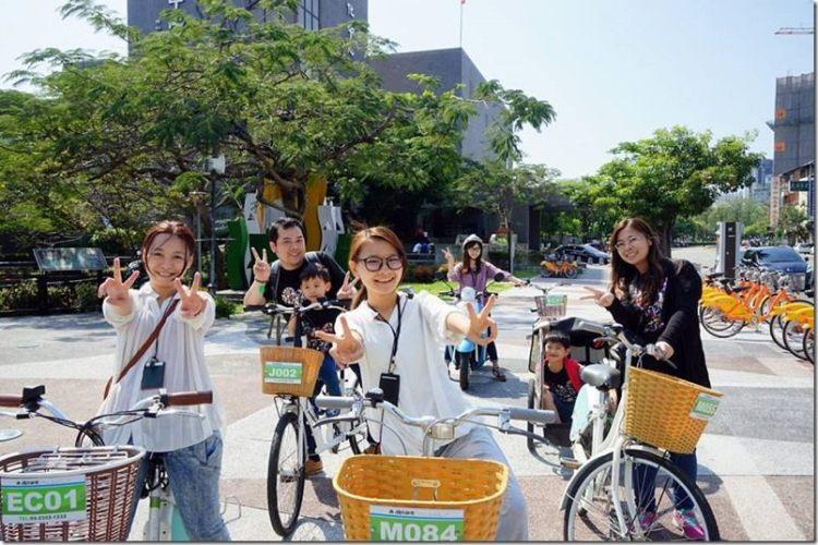台中。微旅行|【草悟廣場 微旅行午茶之旅】(文內贈獎)騎著單車漫遊台中市 跳進兔子洞吃甜點囉~
