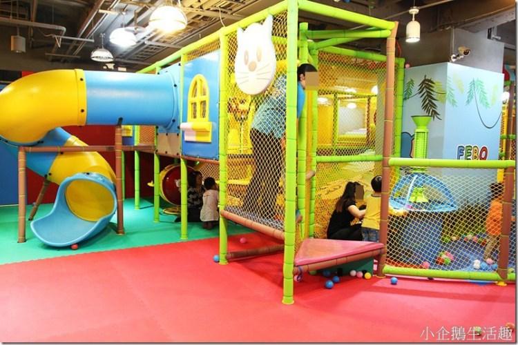 台中。親子遊戲室|【飛寶室內遊戲樂園】台中禮客OUTLET引進VR虛擬實境好好玩