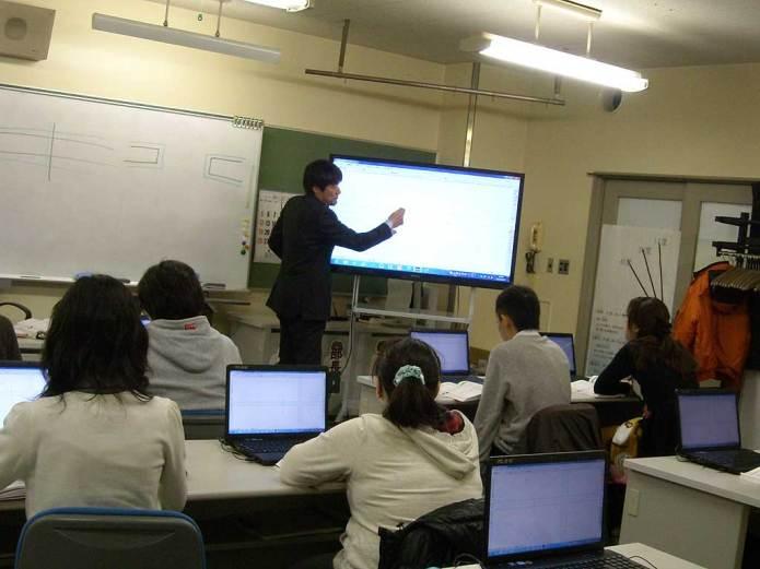 建築CADコースの講師