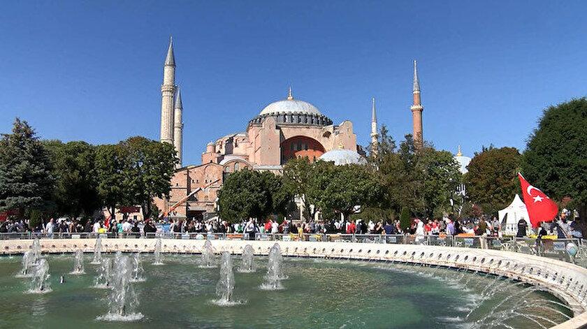 Ayasofya Camii'nde 86 yıl sonra kılınan ilk cuma namazı Katar ...