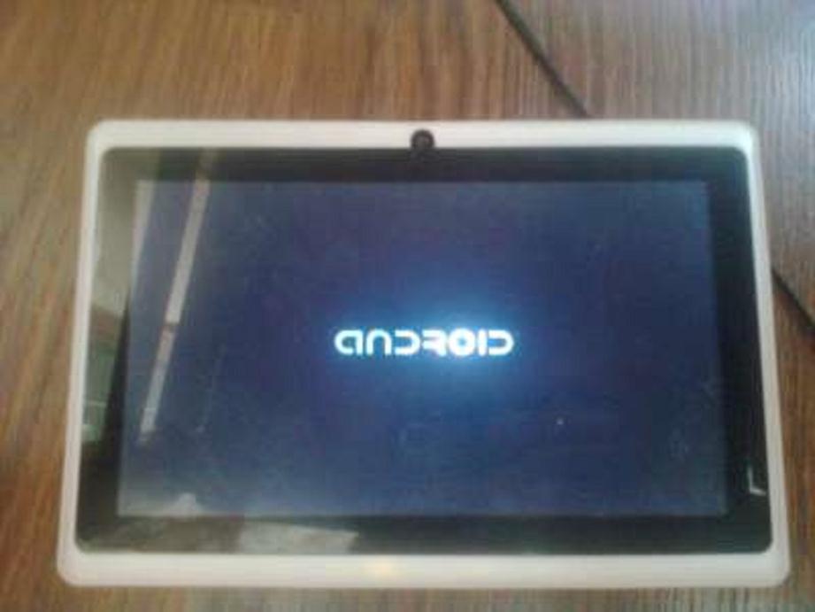 экран планшета светится но нет картинки если говорить живом