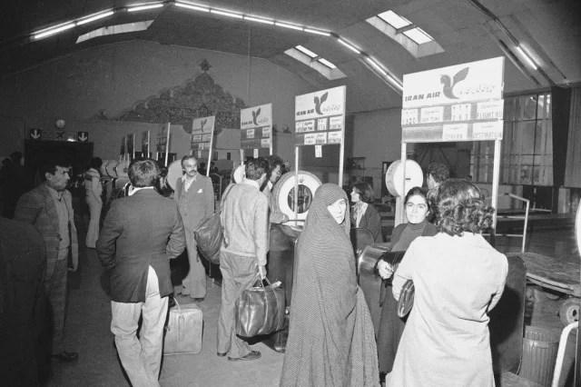 Reanudación de vuelos comerciales en el aeropuerto de Teherán (13 de noviembre de 1978).