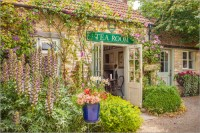 Christian Mringer Typical English Tea Room in Wiltshire ...
