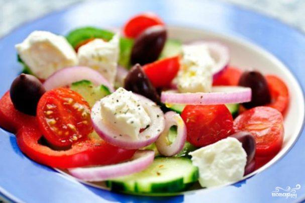 grecheskii salat s pomidorami 82129 - Greek salad with tomatoes