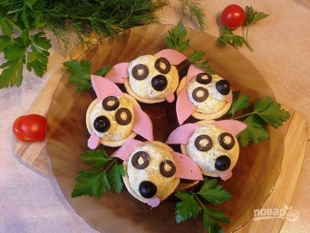 """zakuska v tartaletkah quotsobachkiquot 466229 - Appetizer in the tartlets """"Dog"""""""