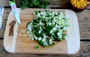 Crab σαλάτα κλασική συνταγή - φωτογραφία βήμα 4
