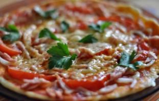 """Pizza """"minute"""" dans un four à micro-ondes - Photo Étape 3"""