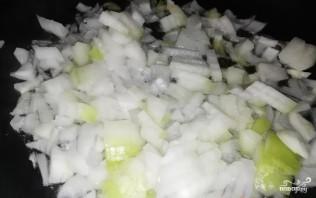 Тушеная картошка с капустой - фото шаг 1