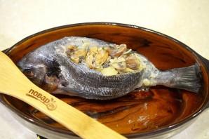 Дорадо, фаршированная жульеном из морепродуктов - фото шаг 11