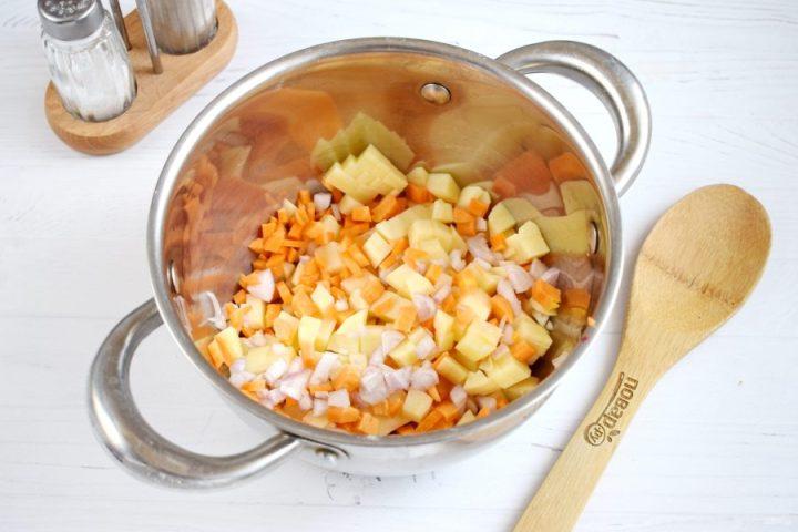 Постный суп-пюре из свеклы
