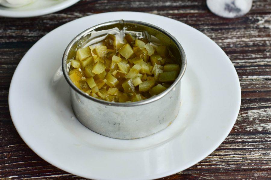 Слоеный салат с мясом