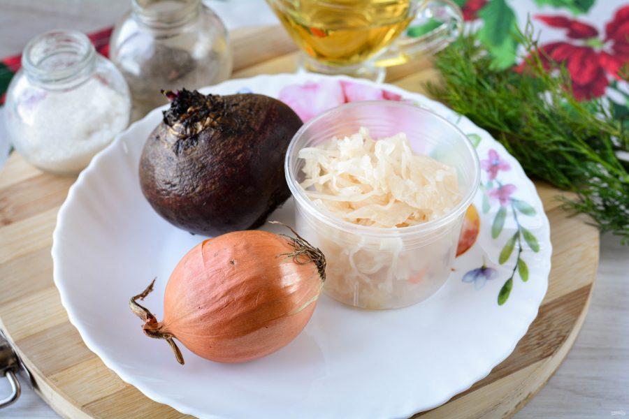 Салат из свеклы и квашеной капусты