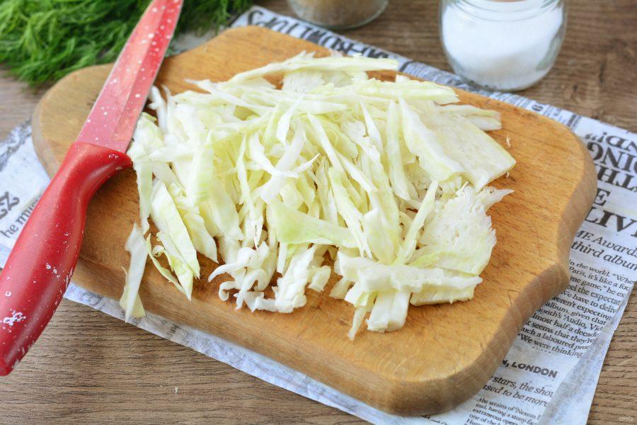 Салат с мясом и свежей капустой