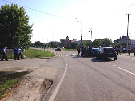 Машини журналістів не пускають. Фото Наталі Соколенко
