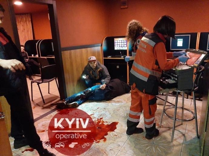 Різанина  в залі ігрових автоматів у столиці: є жертви
