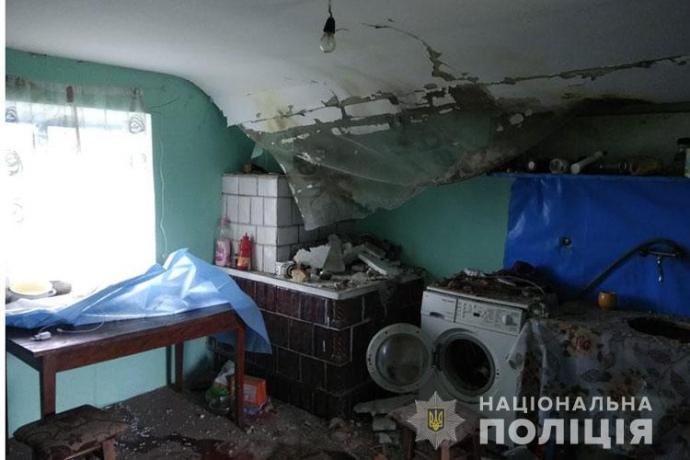 Грози в Україні: вибух кульової блискавки, пожежа від блискавки, підтоплення