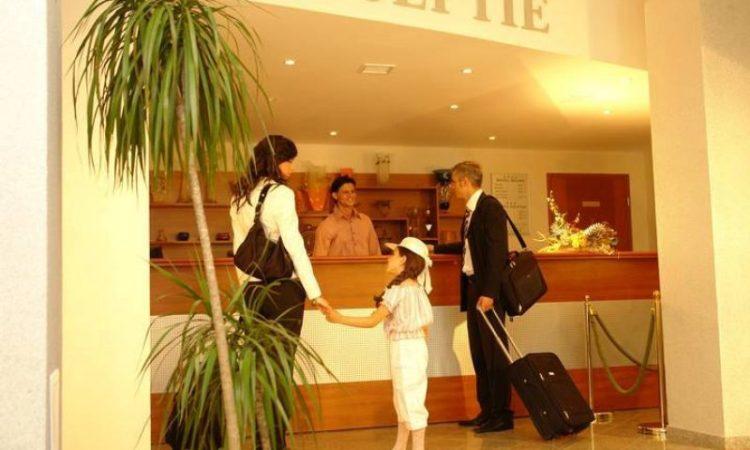 Hotelierii români au adoptat strategia hotelierilor bulgari