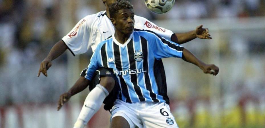 Michel Bastos  Grêmio sonda meia para 2017 – SãoPaulo.Blog a460b7cf50f55