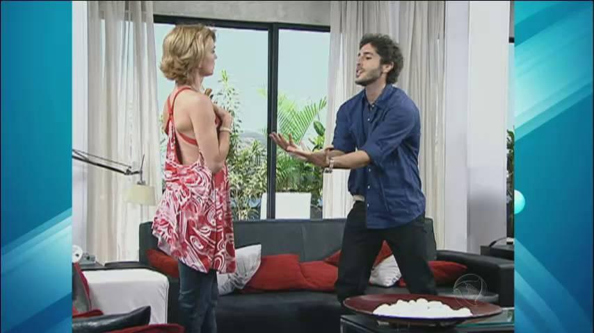 Adriana e Mion relembraram a parceria na novela Bicho do Mato. Eles formaram o casal Emílio e Silvia na trama que foi ao ar em 2006> Acesse o R7 Play e assista na íntegra a todos os programas da Record! Clique e experimente!