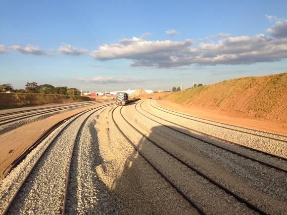 Minist ro diz que ferrovia Norte-Sul é só primeiro passo