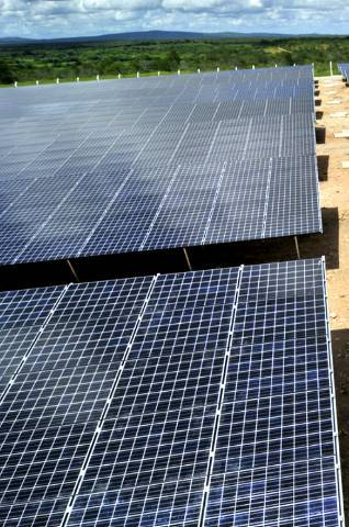 1xsbjlw7sp_1nw0hk7asx_file Adesão a energia solar cresce 44% impulsionada por conta de luz alta