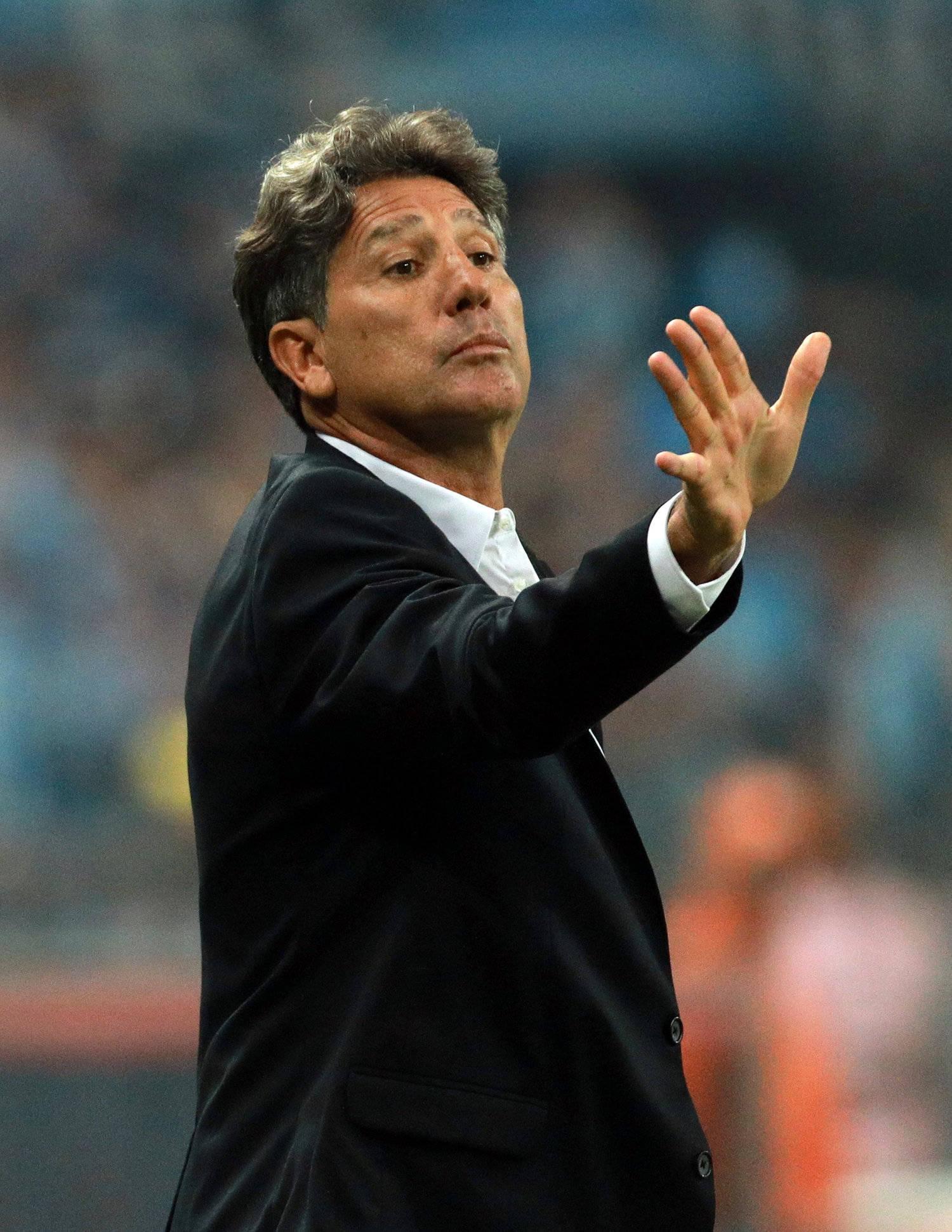 Gaúcho deve ficar fora do Grêmio por uma semana