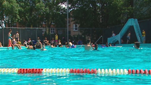 Les piscines de Sherbrooke ouvrent  ICIRadioCanadaca