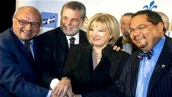 Philippe Couillard, l'ex-ministre libérale Monique Jérôme-Forget (au centre) et Arthur Porter (à droite), en 2007.