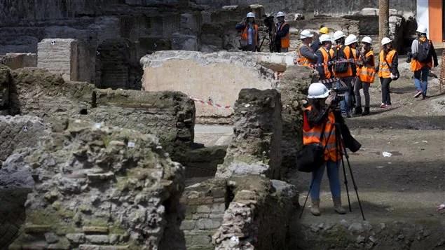 Les travaux de la ligne C du métro romain ont conduit à la découverte de ruines d'une ancienne caserne militaire datant du 2ème siècle.