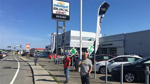 13 employés de Bérubé GM à Rivière-du-Loup sont en lock-out depuis le 11 juillet.