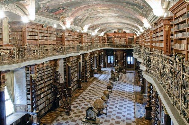 La biblioteca barroca del Klementinum reabre sus puertas
