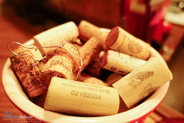 累積的軟木塞-Wine Cafe-大安站-葡萄酒-美酒咖啡廳